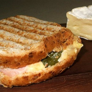 Croque camembert jambon