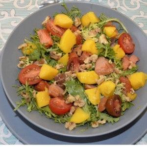 Salade de mangue et saumon fumé