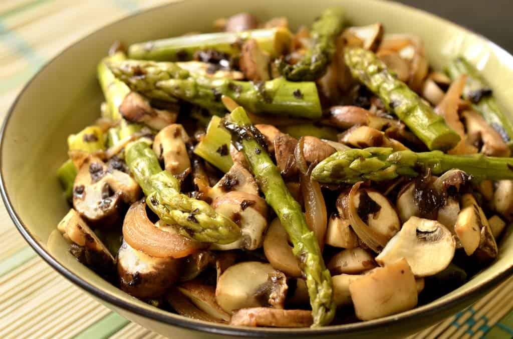 Po l e d 39 asperges fa on asiatique ma cuisine sant - Recette asperge verte poelee ...
