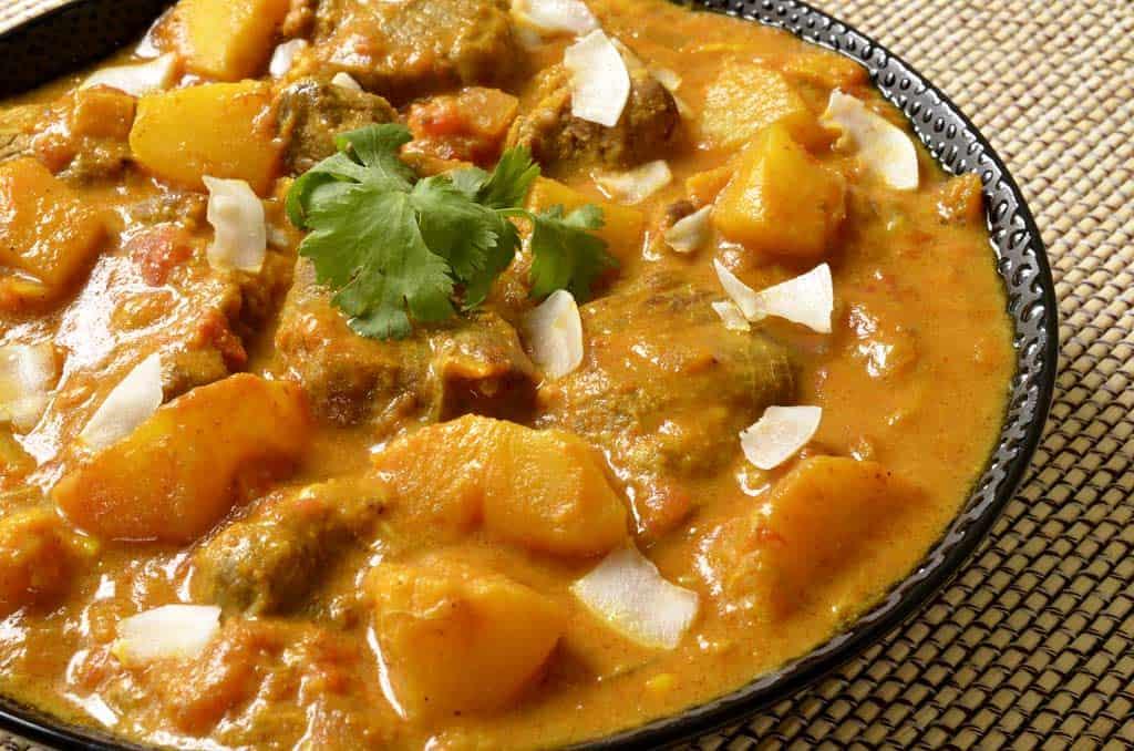 Curry d'agneau aux fruits