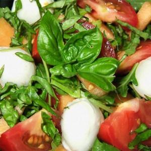 Salade au bocconcini