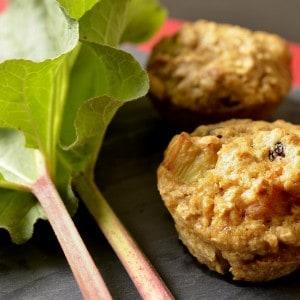 Muffins à la rhubarbe et canneberges