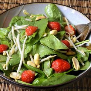 Salade asiatique aux fraises