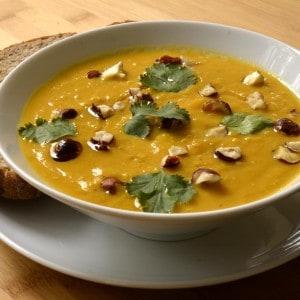 Soupe de carotte et quinoa aux noisettes