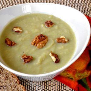 Crème de légumes d'hiver aux noix