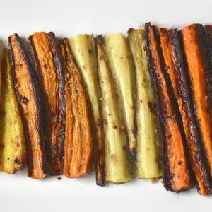 Carottes de couleur rôties