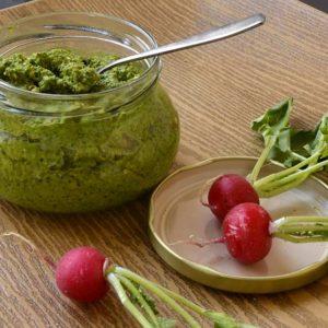 Pesto de fanes de radis sans produit laitier