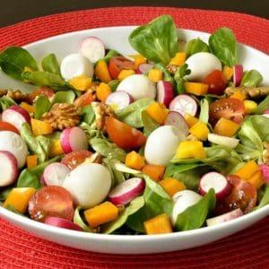 Salade de mâches aux oeufs de caille