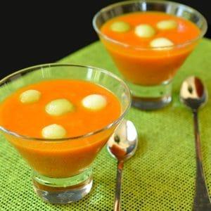 Soupe froide aux poivrons rouges